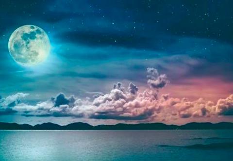 今宵は満月🌖ストロベリームーン🍓